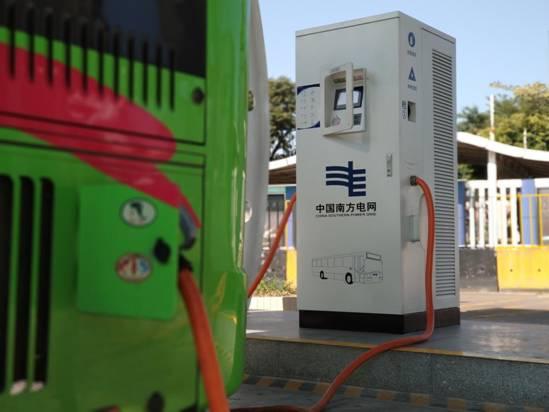 接下来高明还会继续增加新能源车数量 信息时报记者 邱作霖 摄 (1)